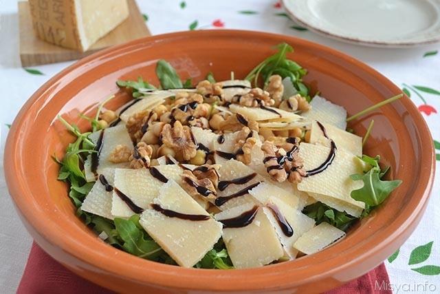 Insalata di rucola ceci e grana ricetta insalata di for Insalate ricette
