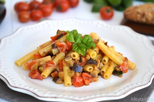 Pasta con le melanzane ricetta pasta con le melanzane for Ricette primi piatti pasta