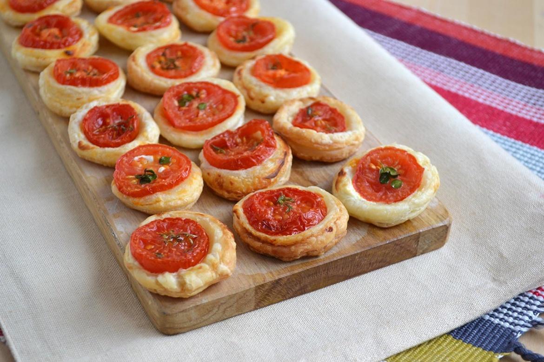 Pizzette di pasta sfoglia ricetta pizzette di pasta - Cucina con misya ...