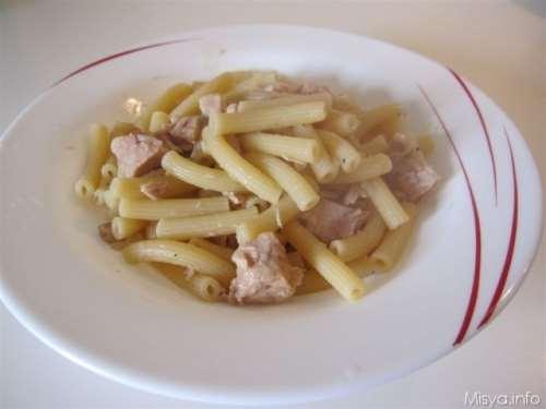 Pasta con tonno e cipolla