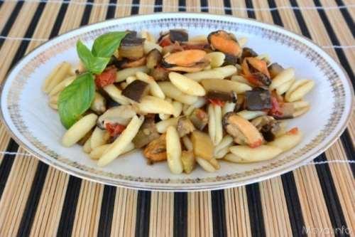 Pesce ricette Pasta melanzane e cozze