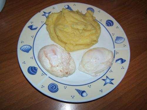 Secondi piatti ricette Uova in camicia
