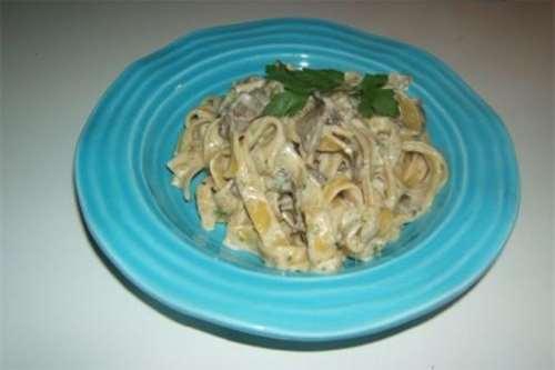Ricette Primi piatti Tagliatelle zucchine e funghi porcini