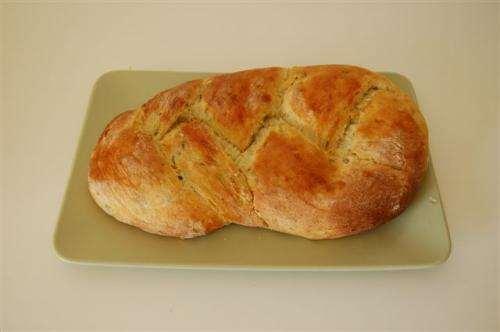 Treccia di pane di patate alle erbe