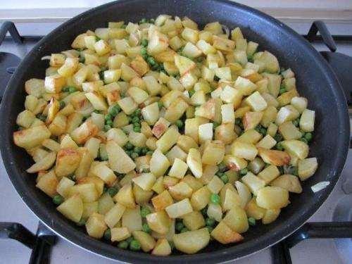 Vegetariane ricette Patate al forno con piselli
