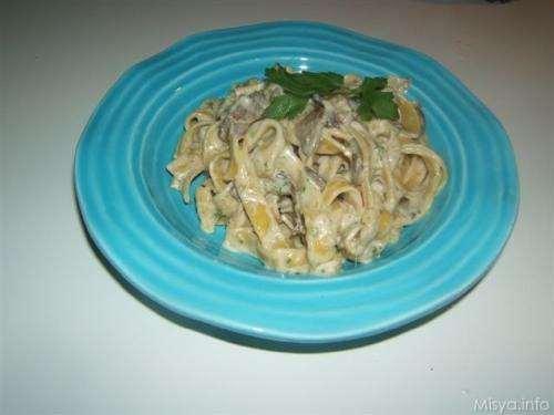 Tagliatelle zucchine e funghi porcini