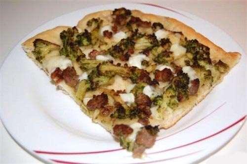 Pizze e Focacce ricette Pizza broccoli e salsicce
