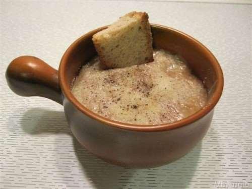 dal mondo ricette Zuppa di cipolle