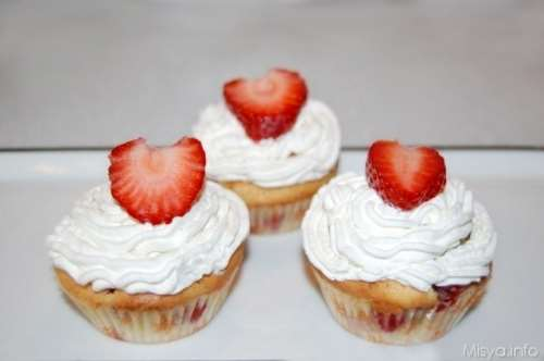 Muffin panna e fragole