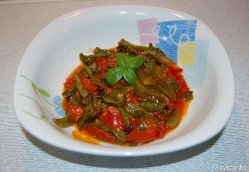 Vegetariane ricette Peperoncini verdi fritti al pomodoro