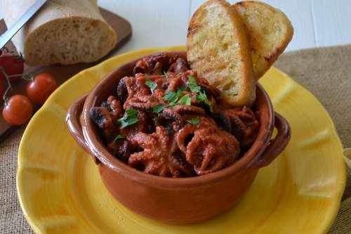 Ricette Secondi piatti napoletani Polpo alla luciana