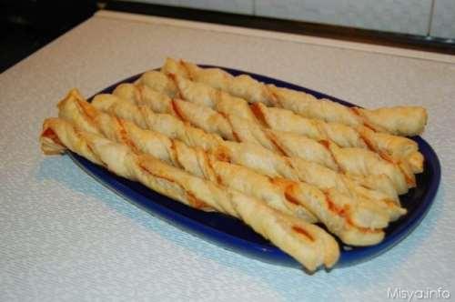 Ricette Finger food Torciglioni di pasta sfoglia