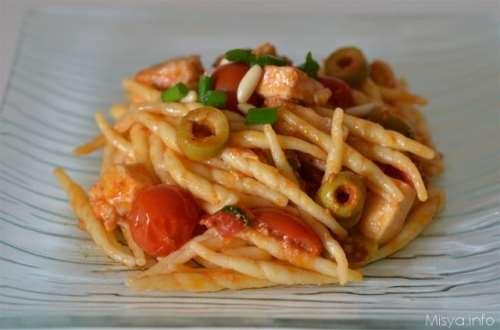 Pasta con pesce spada e olive