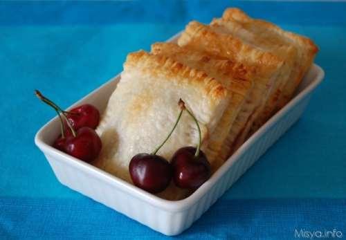 Ricette  Fagottini con ricotta e ciliegie