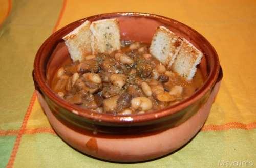 ricette Zuppa di funghi e fagioli