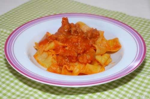 Ricette  Pappardelle con ragù di salsiccia