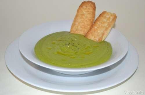 Minestre e zuppe ricette Vellutata di piselli