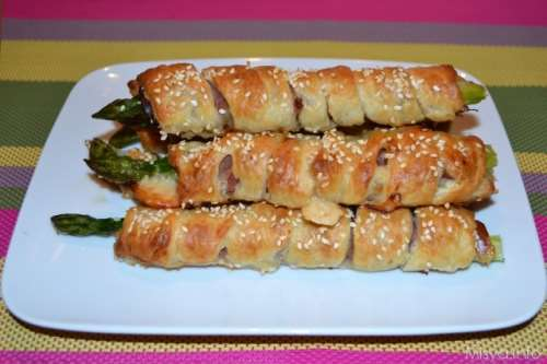 Ricette Finger food Asparagi avvolti in pasta sfoglia