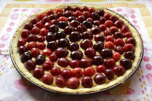 ricette Crostata con crema alle mandorle e ciliegie