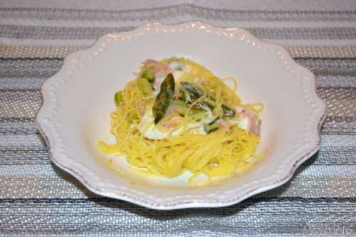 Ricette  Tagliolini con asparagi e crescenza