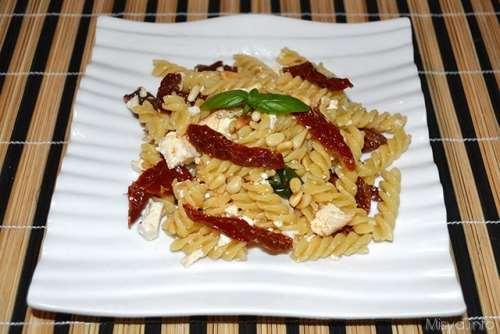 ricette Pasta con pomodori secchi e ricotta