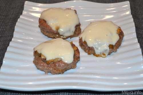 Secondi piatti ricette Medaglioni di carne con funghi