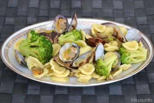 Ricette  Orecchiette broccoli e vongole