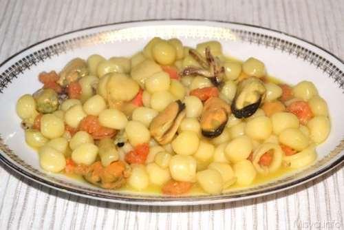 ricette Gnocchetti ai frutti di mare e zafferano