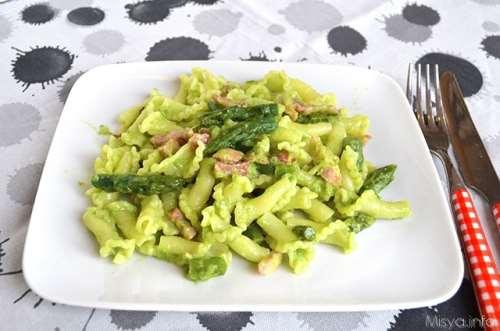 Primi piatti ricette Pasta con asparagi e pancetta