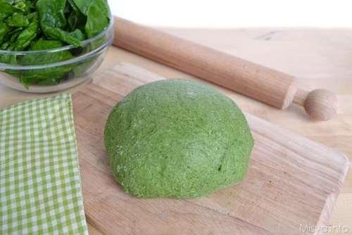 Base ricette Pasta verde agli spinaci