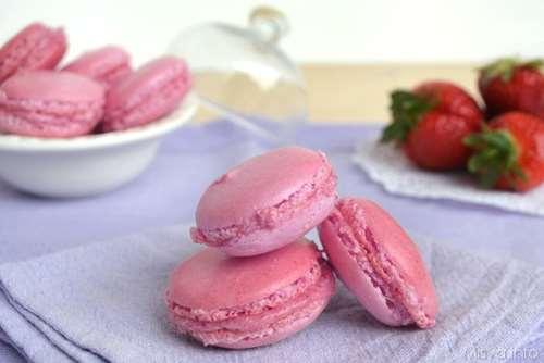 Cucina francese ricette Macarons alle fragole