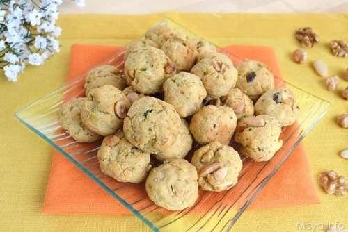 Finger food ricette Biscotti salati con frutta secca