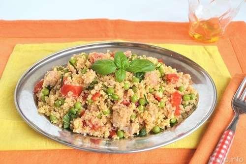 Insalate ricette Cous cous con piselli e salmone