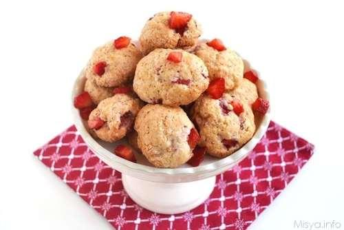 Biscotti ricotta e fragole