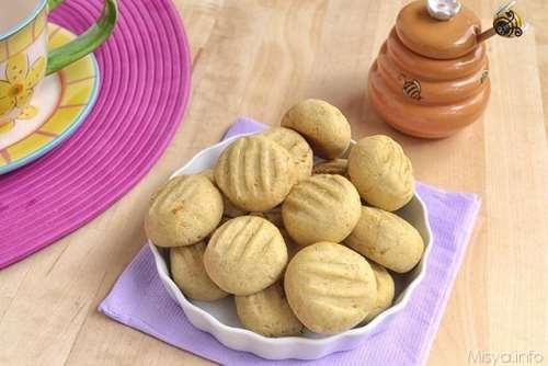 Biscotti con farina integrale e miele