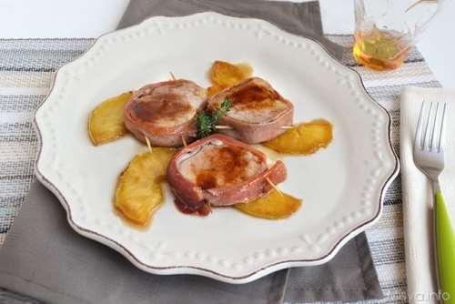 Secondi piatti ricette Filetto di maiale con prosciutto e mele