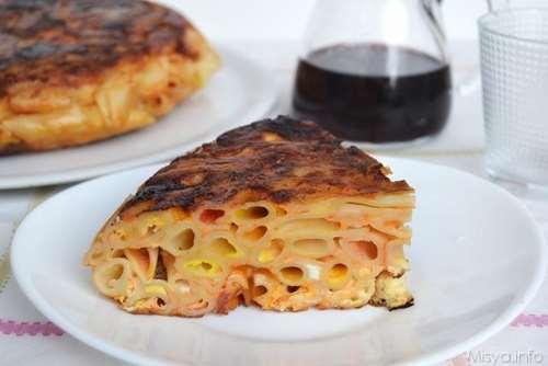 Ricette  Frittata di maccheroni al salame