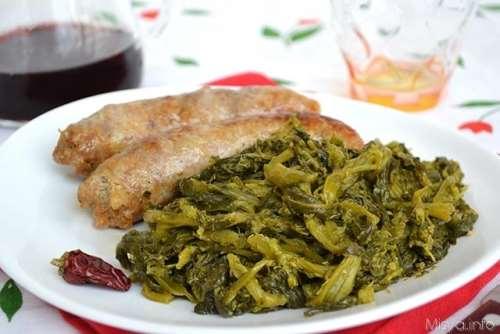 Secondi piatti napoletani ricette Salsiccia e friarielli