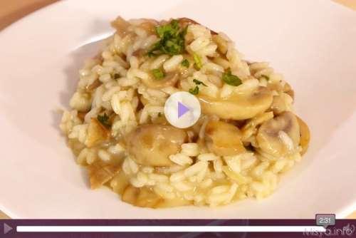 Ricette primi piatti Video ricetta risotto ai funghi