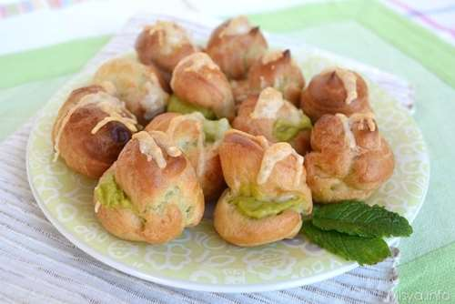 ricette Bignè salati con crema di fave e piselli