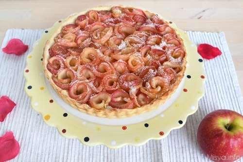 Ricette Crostate Crostata di rose di mele