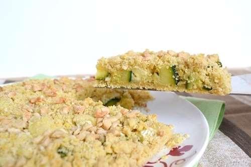 Sbriciolata salata con zucchine e brie