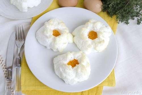 Ricette Secondi piatti Nuvole di uova