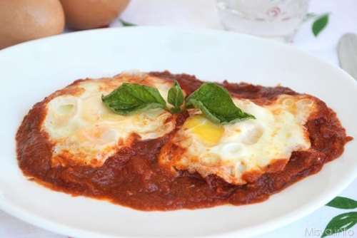 Vegetariane ricette Uova in purgatorio