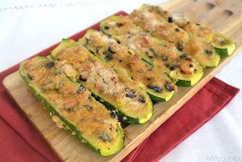 Secondi piatti ricette Zucchine ripiene di tonno