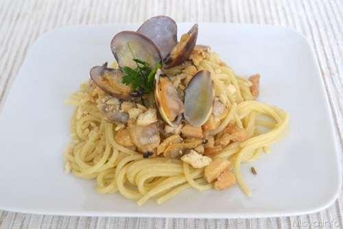 ricette Spaghetti con vongole e taralli