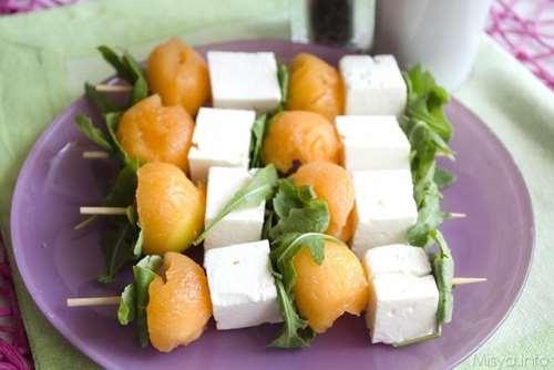 ricette Spiedini di melone rucola e feta