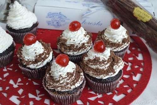 Ricette di San Valentino Cupcake foresta nera
