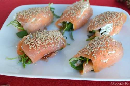 Pesce ricette Involtini di salmone al sesamo
