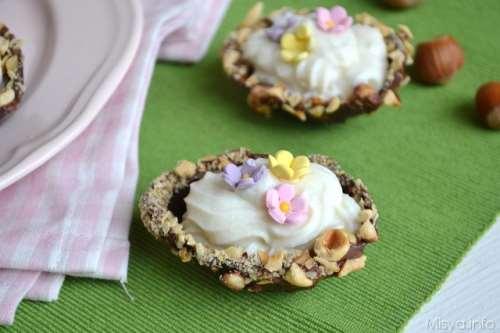 Ricette di Pasqua Ovetti di cioccolato ripieni di ricotta